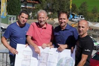 v.l.n.r. Harry Scherz, Harald Scherz, GF Riesneralm Erwin Petz u. Erich Reith Fa. Scherz